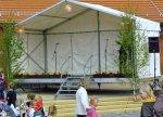 Bühne 6m x 3m mit Überdachung und Deko